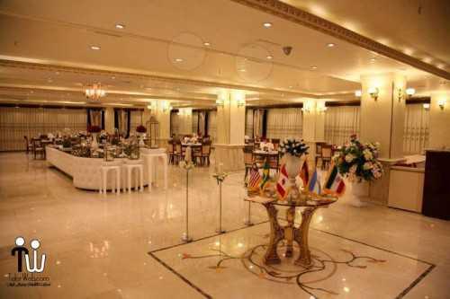 barazanedeh Restaurant 10 500x333 - رستوران برازنده
