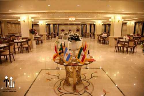 barazanedeh Restaurant 11 500x333 - رستوران برازنده
