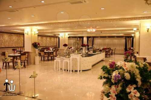 barazanedeh Restaurant 12 500x333 - رستوران برازنده