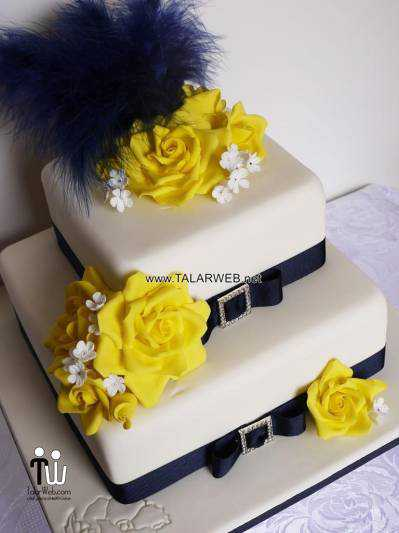 baby-blue-and-yellow-wedding-cakes