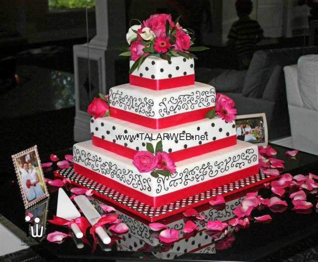 black-and-white-and-pink-wedding-cakes