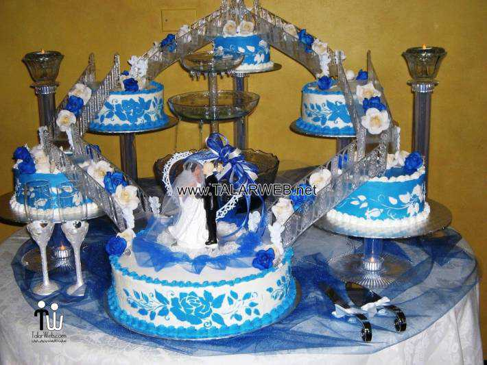 blue-wedding-cakes-with-fountains
