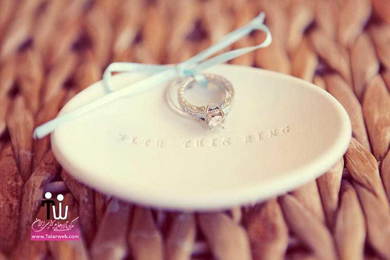 diamond engagement ring on ring bearer dish.full  - مدل های زیبای انگشتر و حلقه عروس