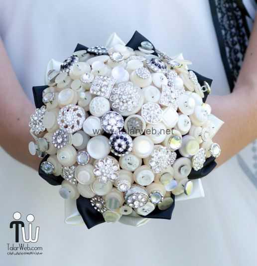 ivory silver black brooch and button wedding bouquet.full  - دست گل مصنوعی با دکمه