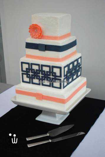navy-blue-and-coral-wedding-cake