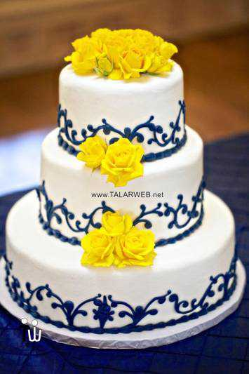 pale-blue-and-yellow-wedding-flowers