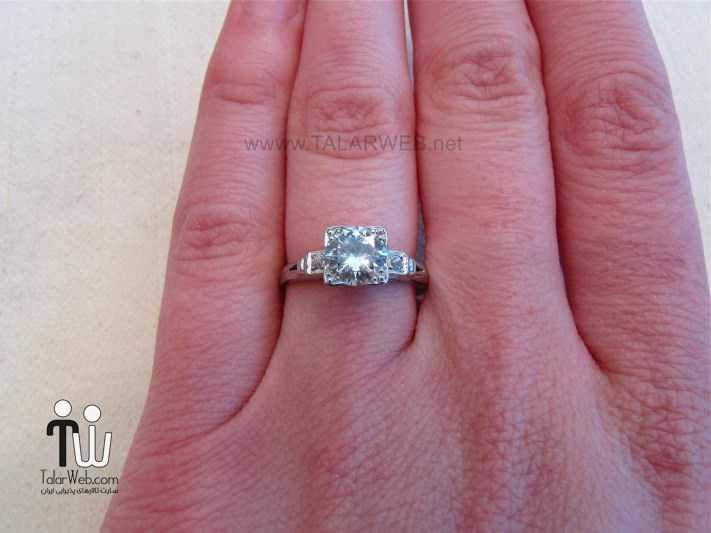 princess cut engagement rings on finger - انگشتر نامزدی و ازدواج -سری ۲