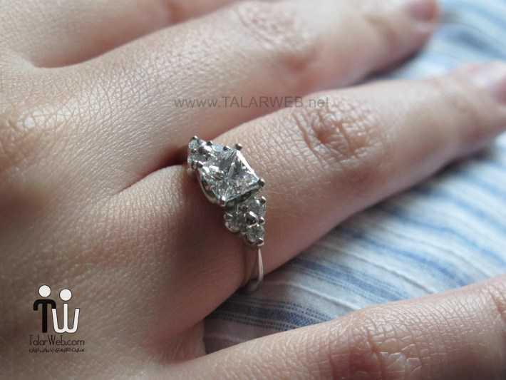 princess cut halo engagement ring on hand - انگشتر نامزدی و ازدواج -سری ۲