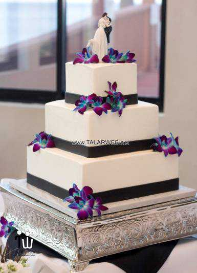 purple-and-blue-orchid-wedding-cakes