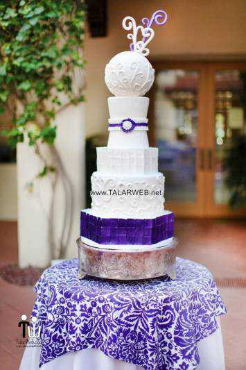 purple-and-green-wedding-cake
