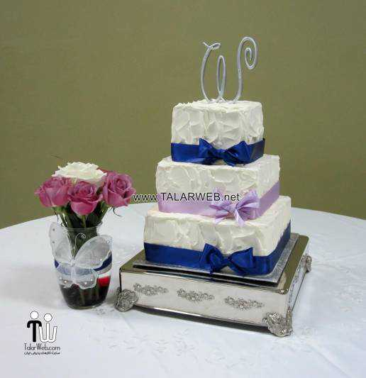purple-and-royal-blue-wedding-cakes