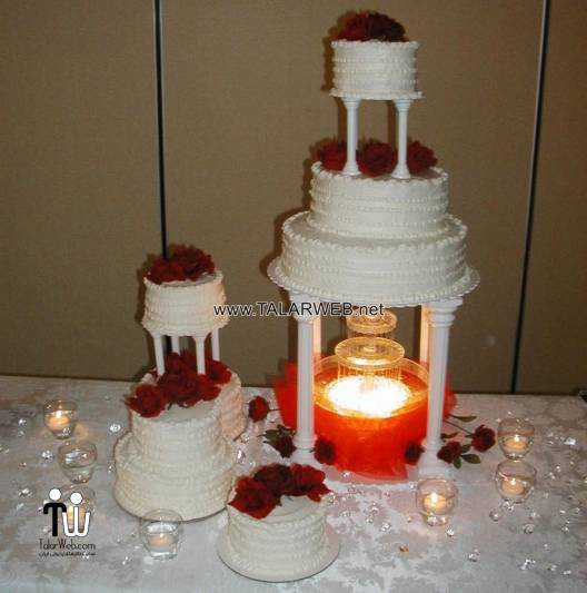 red-wedding-cakes-with-fountains