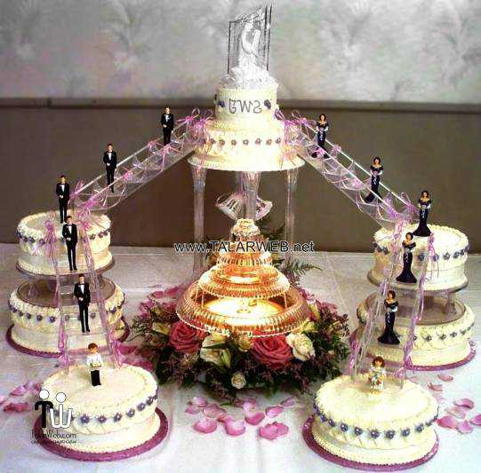 wedding-cakes-with-fountains-and-bridges