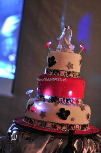 wedding-cakes-with-lights