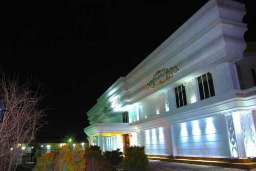 ghasre sefid bagh talar 7 500x335 - باغ تالار قصر سفید