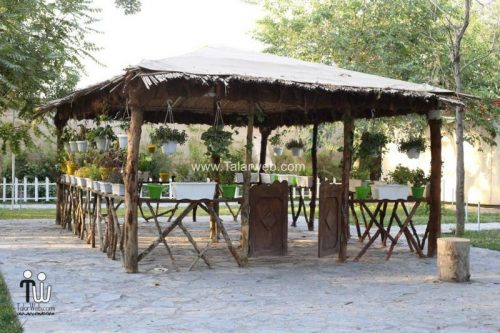 tooska photography garden 16 500x333 - باغ عکاسی توسکا
