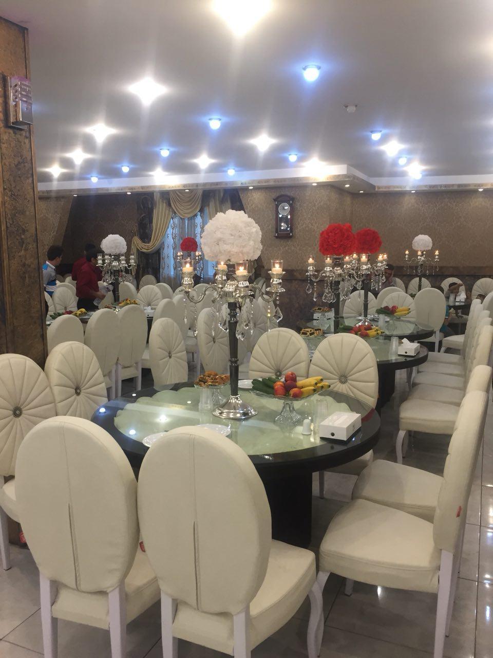 تالار پذیرایی قصر ملک احمدآباد مستوفی