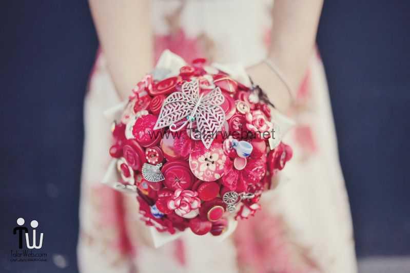 دست گل مصنوعی با دکمه