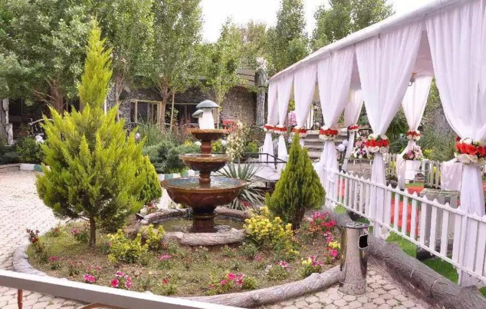باغ تالار تشریفاتی فلامینگو